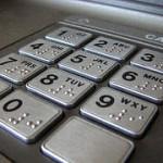Detectan billetes falsos en los cajeros automaticos